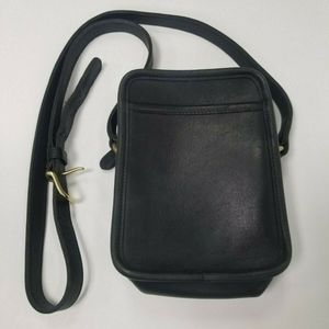 Handbags - Coach Blk Ltr Crossbody Messenger Camera Purse
